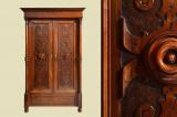 Antiker Gründerzeit Kleiderschrank Säulen & Schnitzerei von 1880